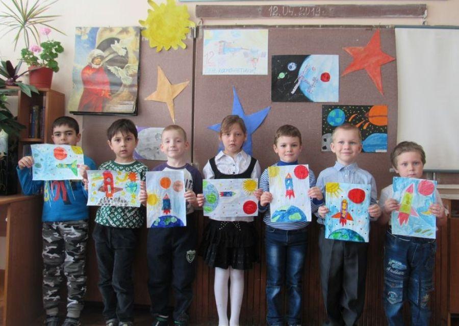 День космонавтики в школе села Большая Ивановка