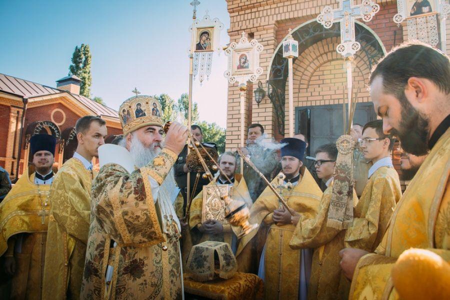 В с.Октябрьский Городок состоялось Великое освящение храма «во имя святаго Святителя Николая…»