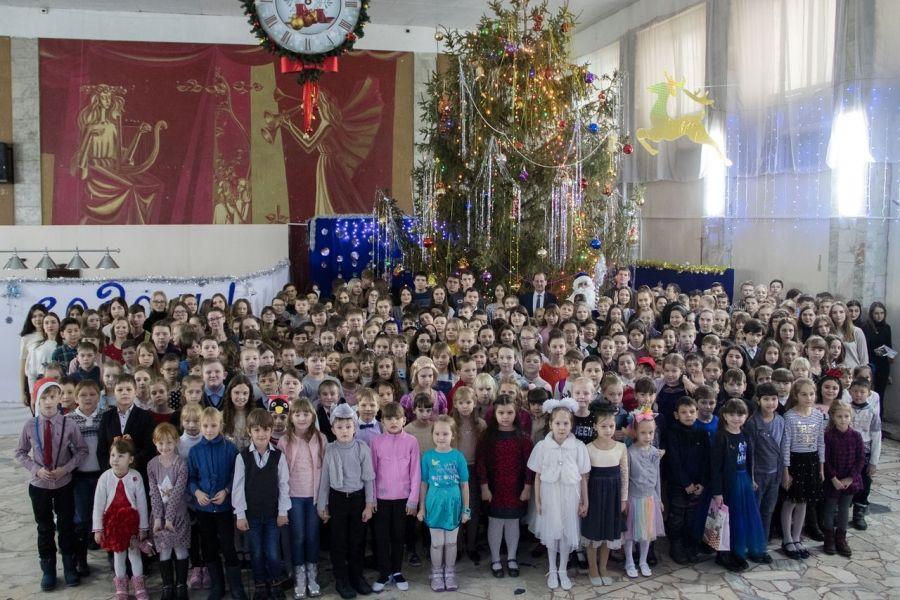 Навстречу новому году: одаренные дети со всего района собрались на Ёлку Главы