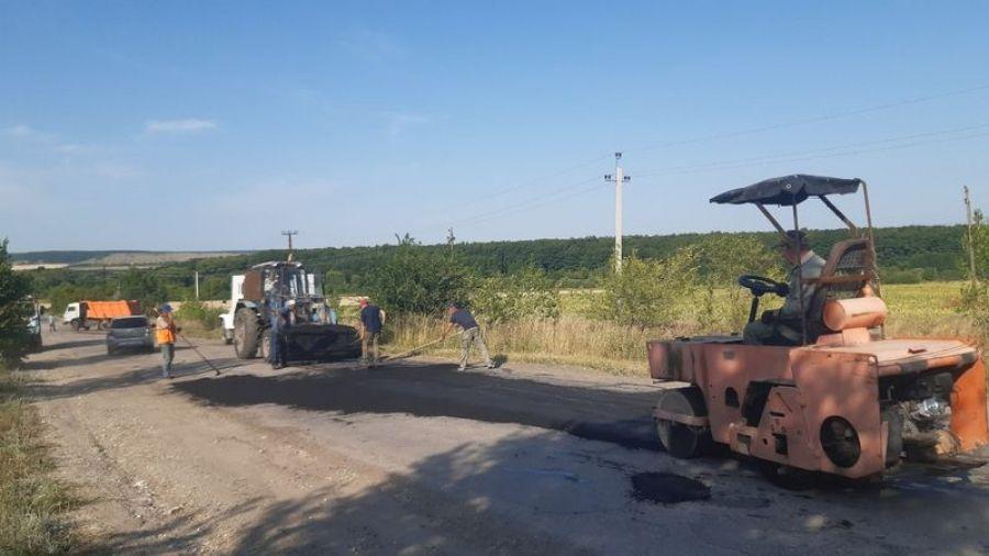 Ямочный ремонт дороги в Вязовском МО